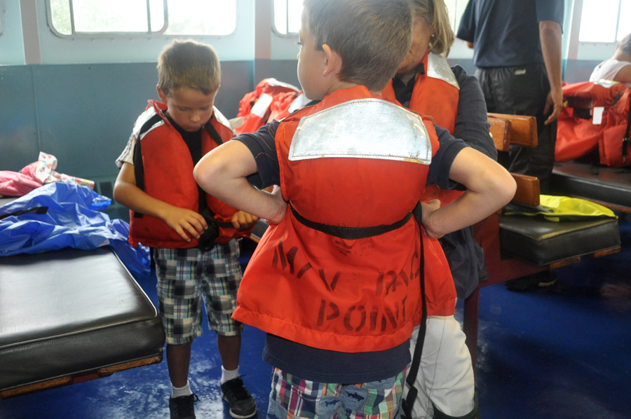 life jacket donning instructions