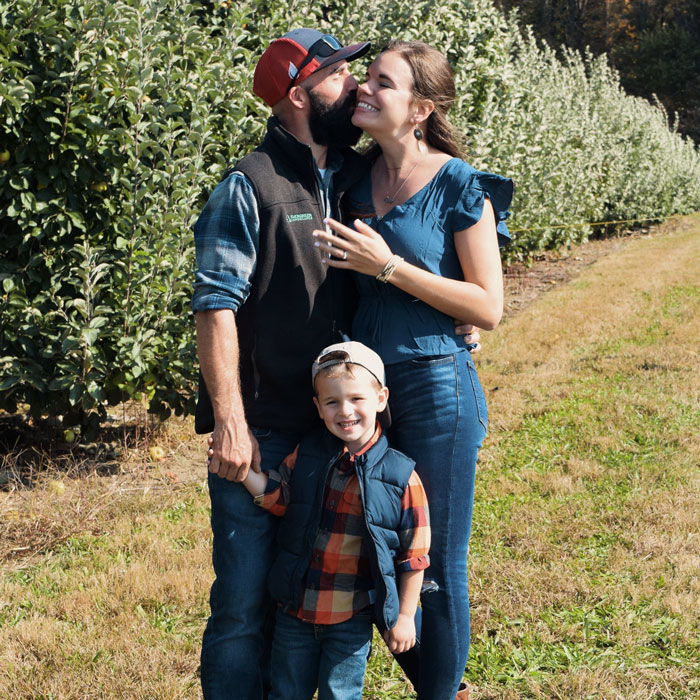 Engaged-Katie-Peabody-Neal-Simoncini-3FAV-10OCT20-0996-700SQ